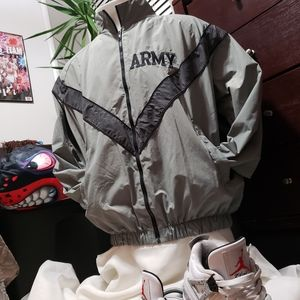Army Jacket Military Issued Windbreaker sz Medium